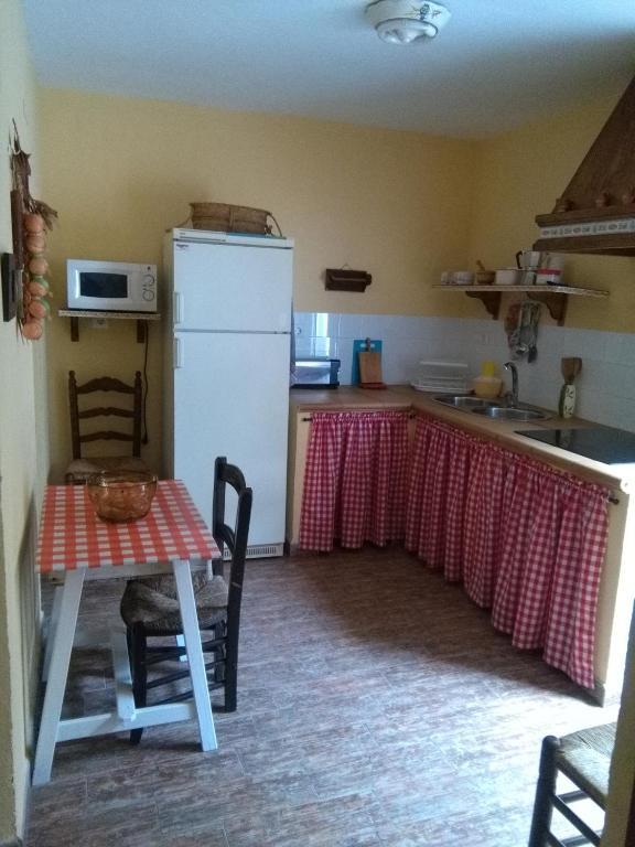 Posada El Majuelo casas rurales en baños de la encina bury restaurante